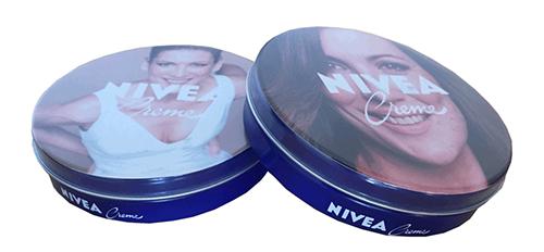 Caja azul de Nivea personalizada